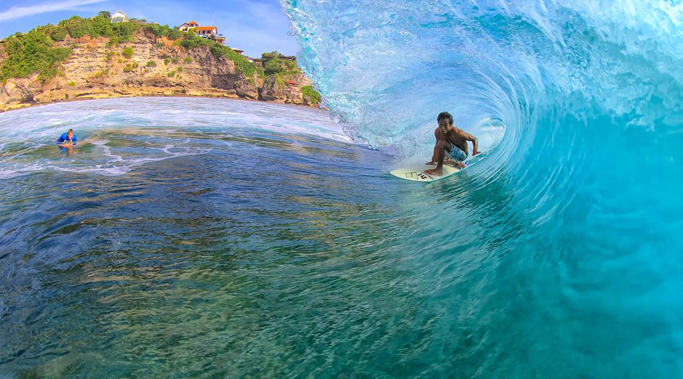 Surfing di Uluwatu