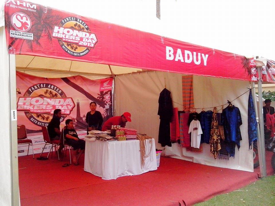 Booth Souvenir Baduy di HBD 2013