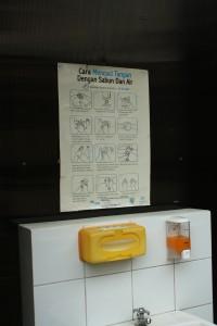 Tempat membuang dahak di Klinik TB-MDR I RSHS (dokpri)
