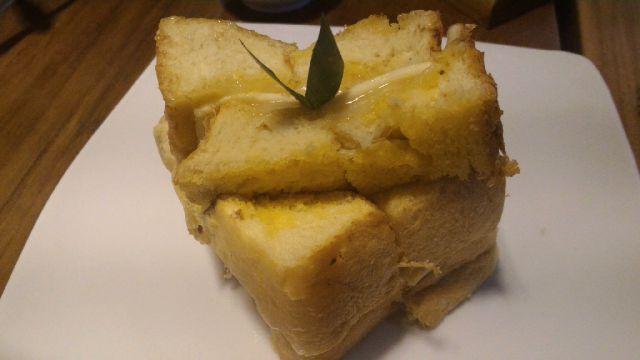 Roti Bakar Kaya Keju Tong Tji TeaHouse