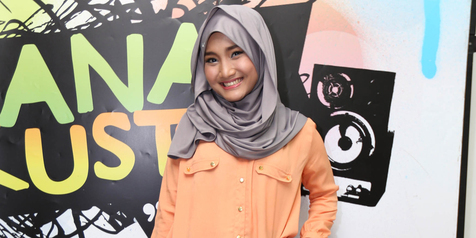Gaya hijab simple ala anak muda (Sumber: Kapanlagi)